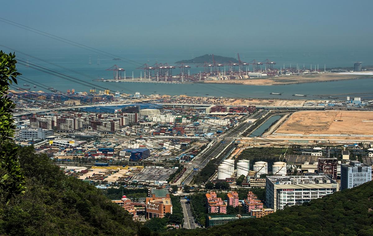 远眺在建深圳前海自贸区图片