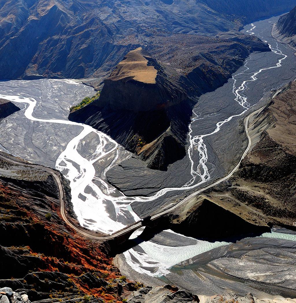 红山大峡谷(新疆奎屯市)
