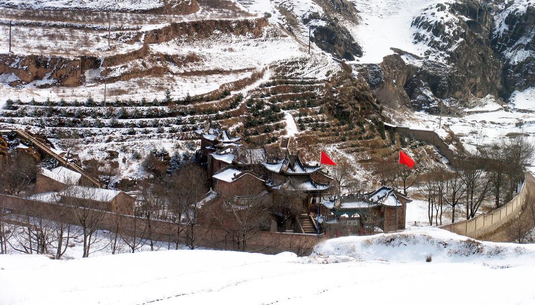 北方农村冬季风景图