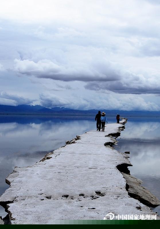 路的盡頭,是玻利維亞的天空之城嗎?_副本.jpg