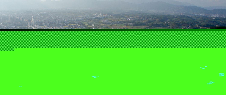 冠豸山风景区总面积123平方公里,由獬豸冠,石门湖,竹安寨,九龙湖,旗石