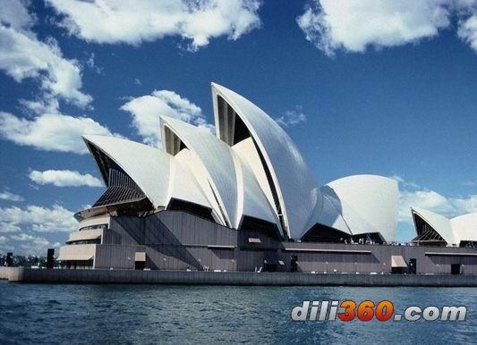 悉尼歌剧院设备完善,使用效果优良