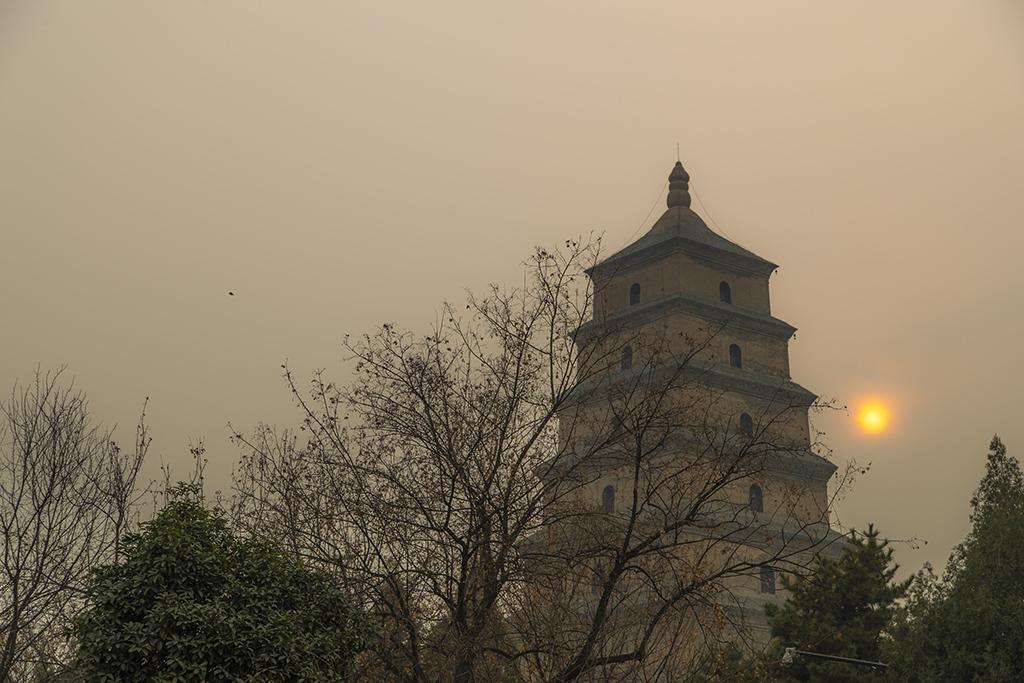 从不同角度拍摄大雁塔-大雁塔是西安标志性建筑,有着.