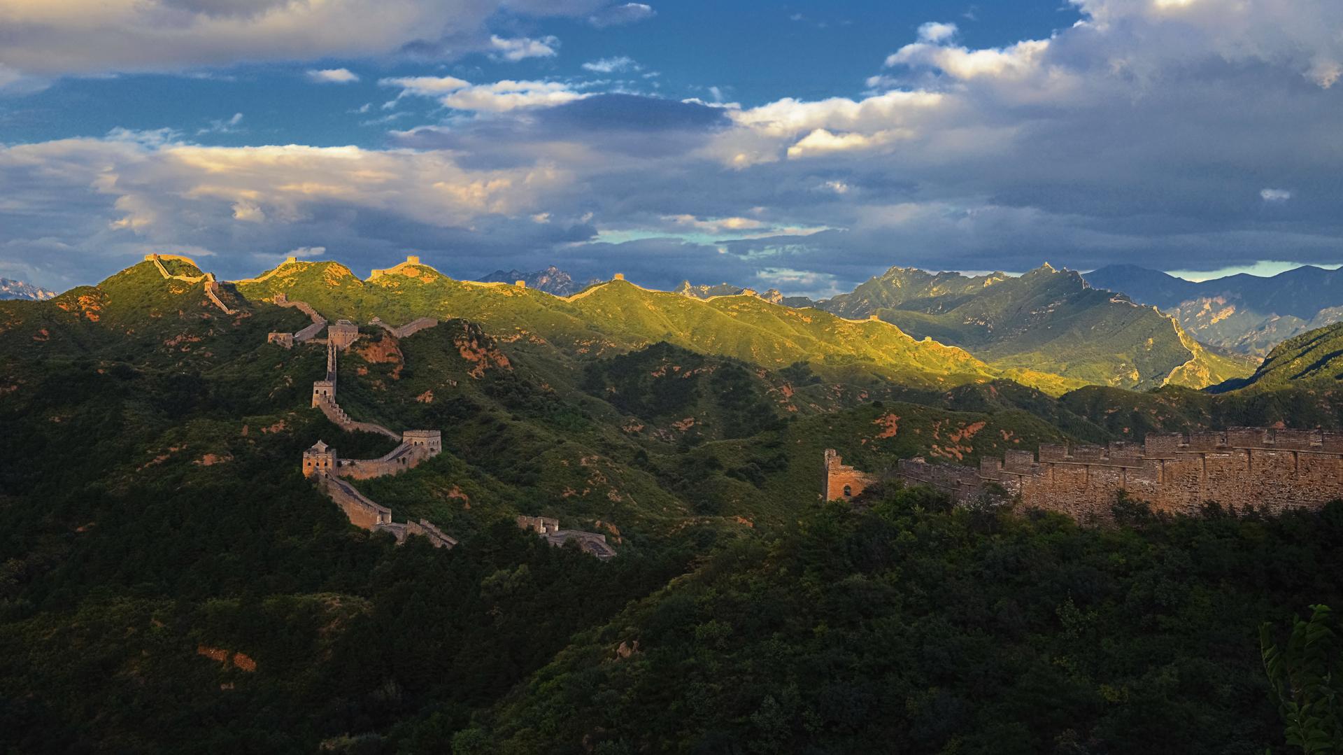 长城半日落4k风景壁纸