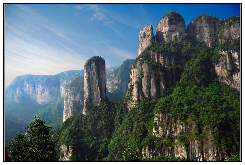 华东香格里拉-攀登公盂背,山上风光无限好.公盂岩巍峨