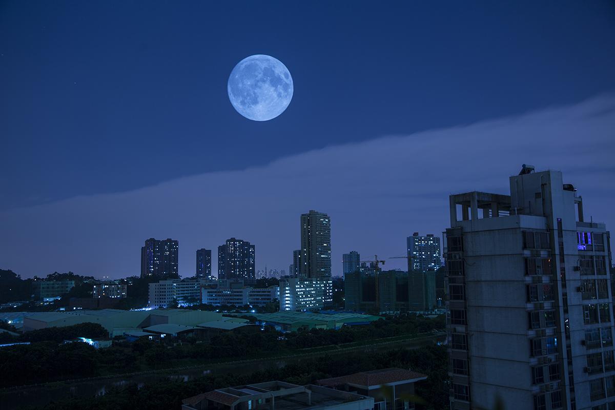 十五的月亮十六圆-今年八月十五,月亮距离地球最近,视